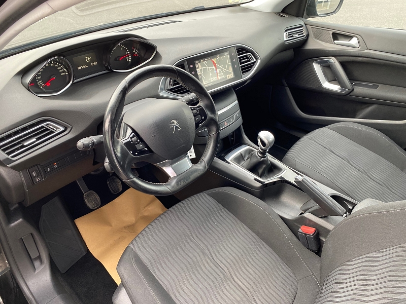 Photo 7 de l'offre de PEUGEOT 308 SW 1.6 BLUEHDI 120CH ACTIVE BUSINESS S&S à 12990€ chez Automobiles Services